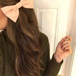 American Apparel Oversized Ballet Pink Clip Bow